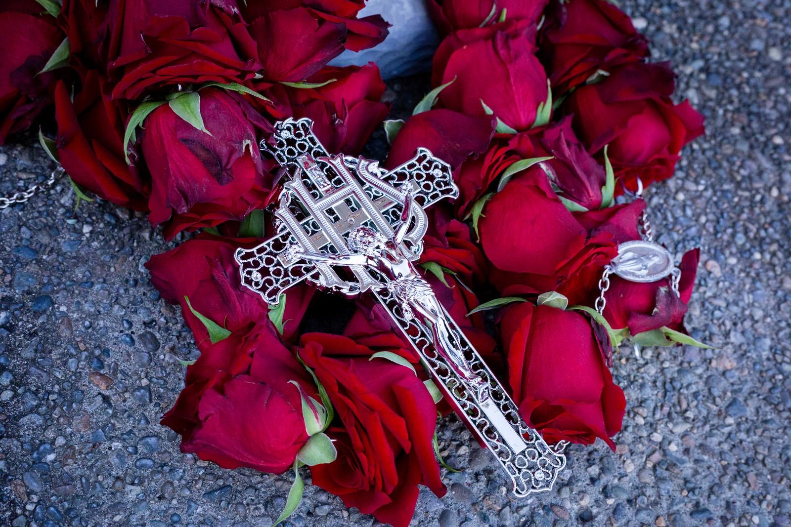 Img4607 fresh rosary funeral memorial tribute rosaries img4607 izmirmasajfo